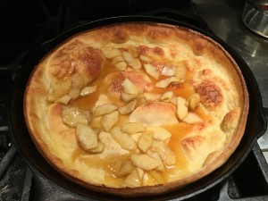 Dutch Baby Pancake with Apple Slices